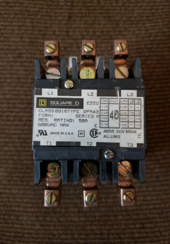 SQUARE D DEFINITE PURPOSE CONTACTOR  8910 TYPE DPA43 - 24 VAC COIL - 40 FLA