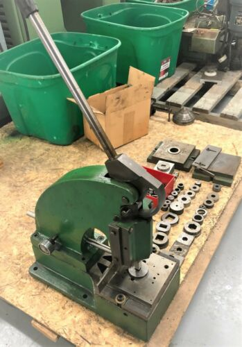 DIACRO PUNCH MACHINE WITH TOOLING