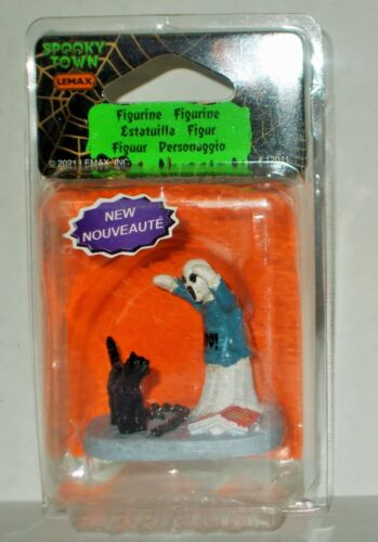 NEW LEMAX SPOOKY TOWN 2021 PRACTICING GHOST AND BLACK CAT FREE SHIP