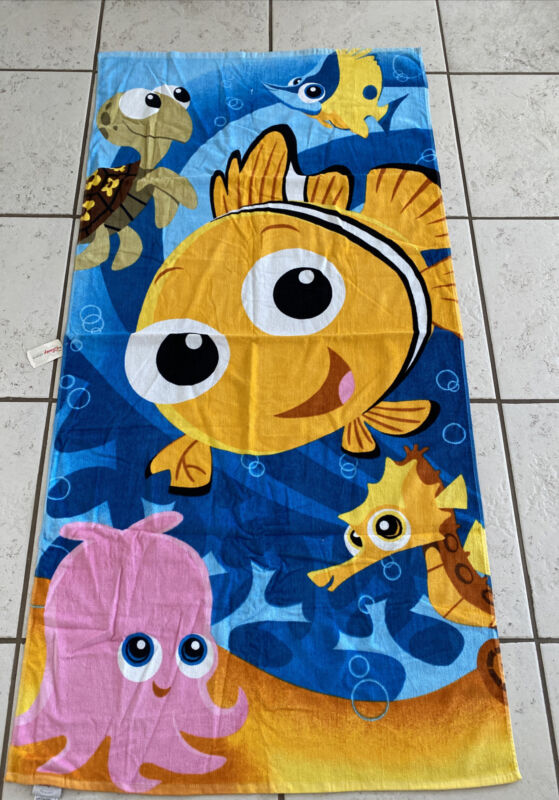 """Disney Store Exclusive Finding Nemo Squirt + Beach Towel NWT 30"""" X 58"""""""
