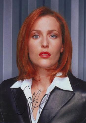 "Gillian Anderson ""Akte X"" Autogramm signed 20x30 cm Bild"