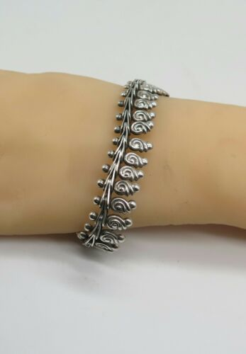 Antique Sterling Silver Articulated Chain Bracelet
