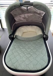 UPPAbaby Cruz Bassinet (2017) - Green Malange - used once!