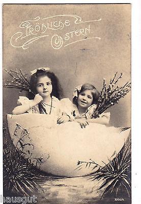Fröhliche Ostern Kinder Mädchen im halben Ei Foto AK 1907