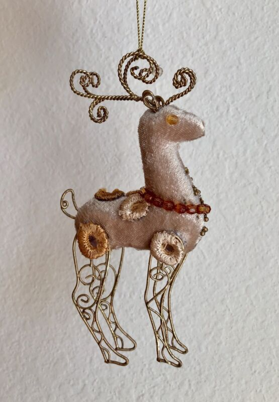 GOLD WIRE REINDEER CHRISTMAS TREE ORNAMENT DEER VELVET