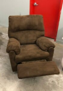 Brown Recliner Chair *****Free Delivery Included****