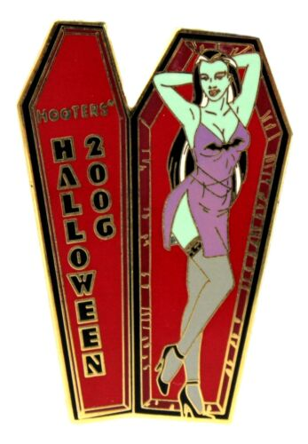HOOTERS SEXY HALLOWEEN GREEN GIRL IN COFFIN 2006 LAPEL PIN - BATS