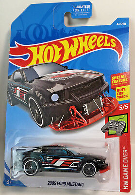 - 2005 Ford Mustang 2019 Hot Wheels Hw Game Over Black Red