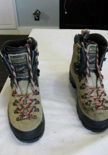 Nice La Sportiva Mountaineering Hiking Boot Shoes