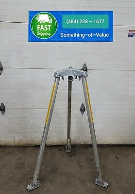 Miller Safety Tripod Manhole Confined Space Adjustable Personnel Support 4