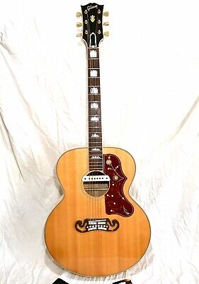 2003 Gibson SJ-200 Electro-Acoustic Guitar in Antique Natural