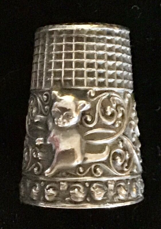 VICTORIAN ANTIQUE STERLING THIMBLE WITH CAT KITTEN