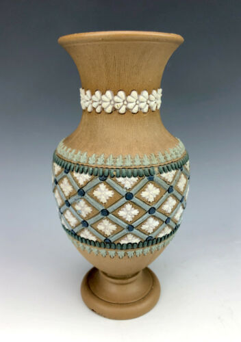 Fabulous Aesthetic Movement Doulton Lambeth Silicon Ware Vase circa 1890s