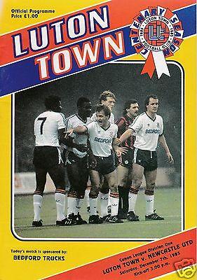 LUTON TOWN  V  NEWCASTLE UTD   1ST  DIVISION   7/12/85