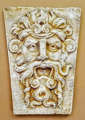 GOTHIC MAN MYTHICAL SCREAMER KEY STONE WALL DECOR
