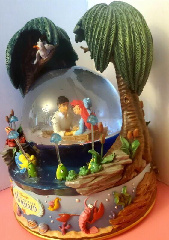 Disney Snowglobe The Little Mermaid Kiss the Girl Snow Globe