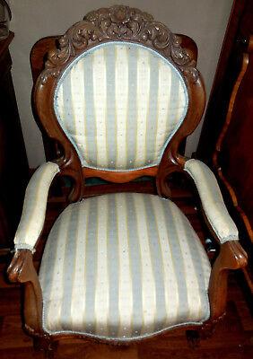 Louis Philippe Stuhl (wunderschöner antiker Louis Philippe Stuhl mit aufwändiger Schnitzerei)