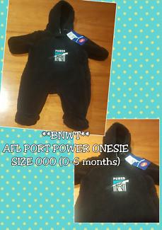 **BNWT** AFL - Port Power ⚡ Fluffy Onesie RRP$25 Size 000