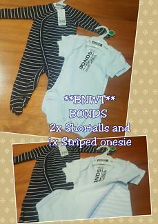 *BRAND NEW* BONDS- 3x 000 (0-3 months) 3x Striped onesies