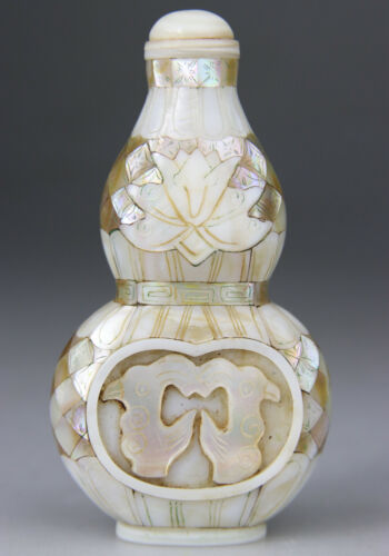 ANTIQUE CHINESE SNUFF BOTTLE MOTHER OF PEARL CARVED - LATE QING 19TH 20th