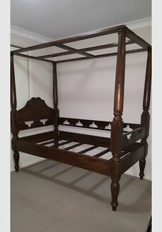 Balinese single four poster bed  Pelaw Main Cessnock Area Preview