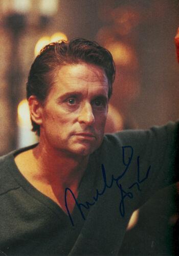 "Michael Douglas ""Basic Instinct"" Autogramm signed 20x30 cm Bild"