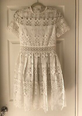 Alexis NWT Short Sleeve Lace Dress Size M Off-White Knee Length