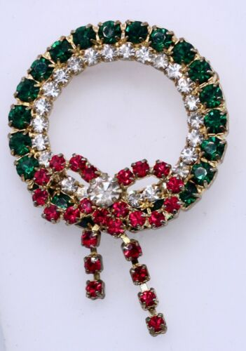 Christmas Holiday Wreath Bow Brooch Prong Set Rhinestones Red Green Clear Dangle