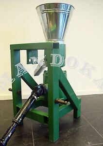 Pellet mill / Pellet press PTO tractor driven for fuel or feed pellets (KJ150)