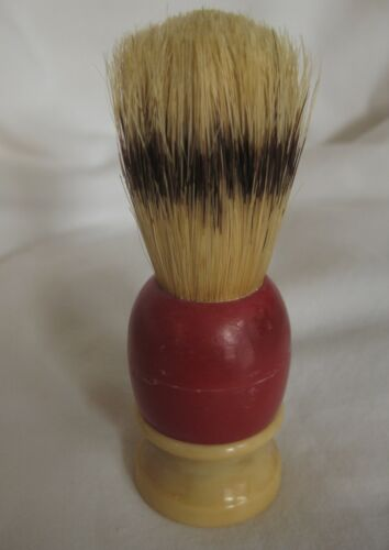 Red & Ivory VINTAGE Ever-Ready no.72 SHAVING BRUSH made in USA