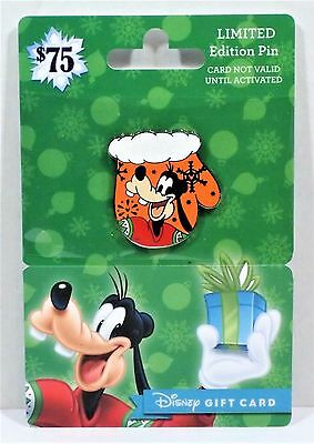 Disney 2016 Holiday Christmas Gift Card Goofy Mittens Mit Pin LE 2650 NEW CUTE