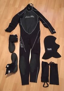 Wetsuit Bare 3/2 mm Attack full + cagoule plongée + chaussons