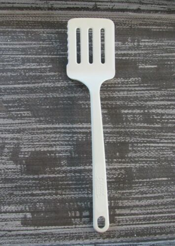 Vintage Pyrex Accessories Slotted Spatula Turner #3370 White Ultratemp Serrated