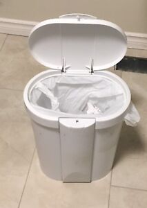 White garbage can with pop up lid