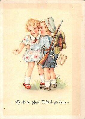 AK Künstlerkarte Kinder Mädchen kleiner Soldat mit Gewehr Postkarte gel. 1942