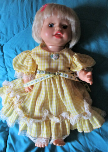 Fisher Price/ Mattel Talking Doll Play With Me Mommy 2007