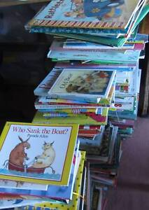 Big clearance sale Hundreds of good picture books for sale