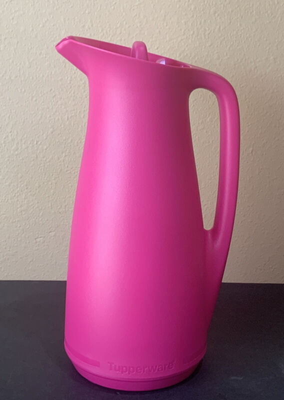 TUPPERWARE THERMOTUPER PITCHER- IN PINK COLOR !!!