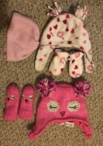 Baby hats and mitts