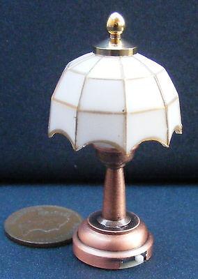 1:12 Scale Working Led Battery Table Lamp Dolls House Miniature Light De311