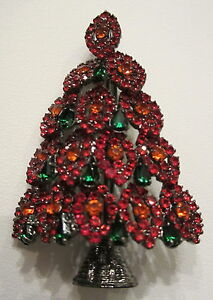 FABULOUS-JULIANA-MULTI-LAYERED-RED-amp-GREEN-RHINESTONE-CHRISTMAS-TREE-BROOCH-PIN