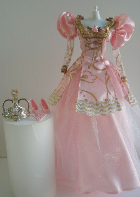 Barbie Clothes/Fashions Queen/Princess//Royal 2 Piece Gown NEW!! Gorgeous!
