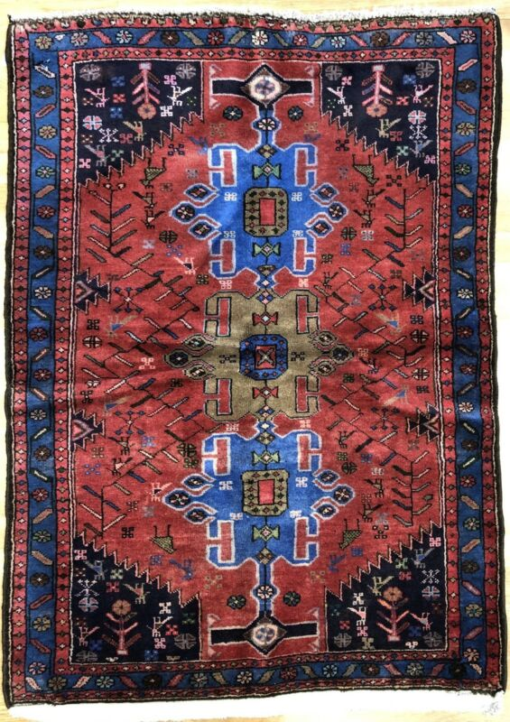 Terrific Tribal - 1960s Vintage Oriental Rug - Nomadic Carpet - 3.5 X 5 Ft.