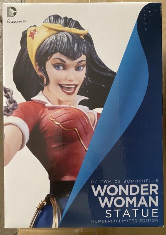 DC Collectibles: Bombshells, Wonder Woman Statue (0579/5200) Displayed
