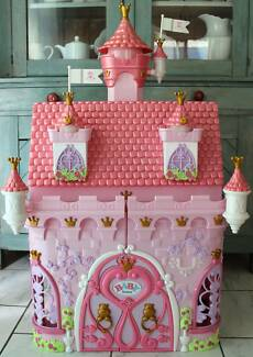 BABY BORN CASTLE WITH RINGING DOORBELL