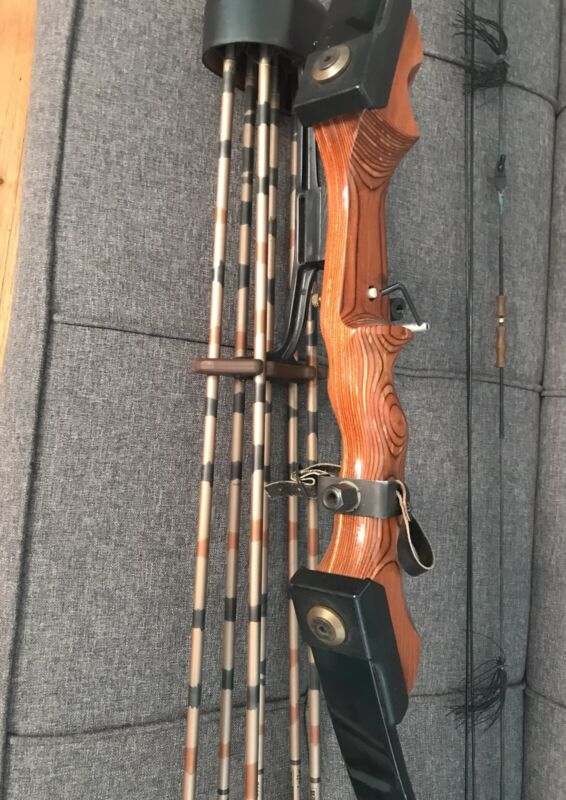 Vintage Browning Cam-master Bow And Arrows