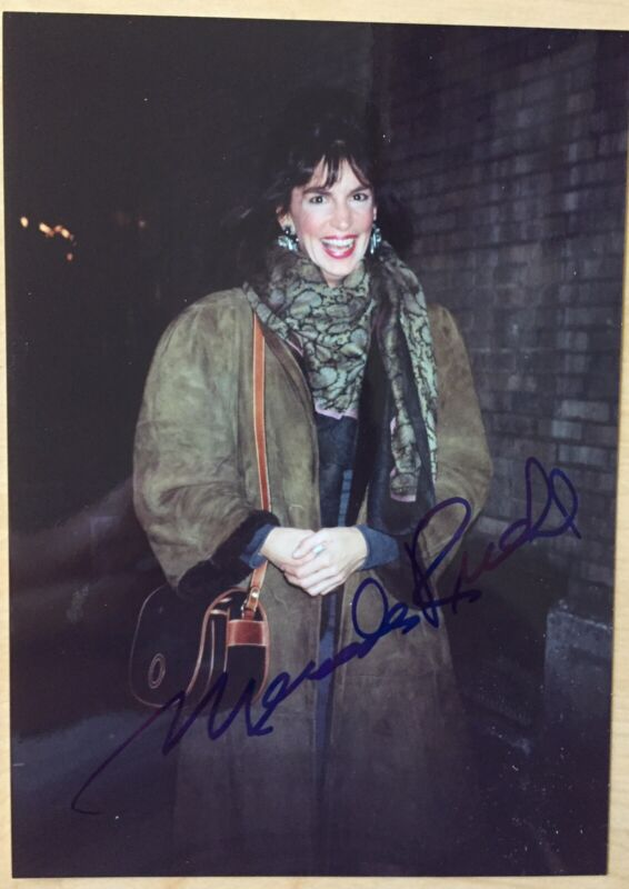 Mercedes Ruehl Signed Photo 5X7 Pictured Tony Winner Lost in Yonkers On Broadway