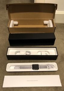 Apple Watch Series 3 GPS Cellular 42mm Nike Edition