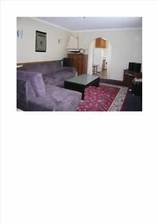 Newnham Furnished 3 Bedroom Unit