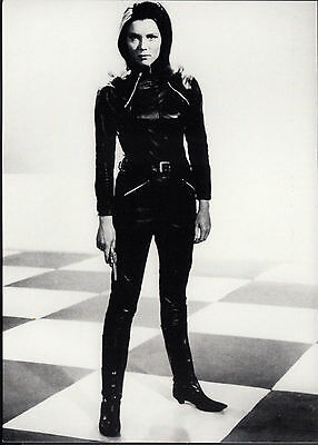 Postkarte, Diana Rigg (Emma Peel), The Avengers / Mit Schirm, Charme + Melone